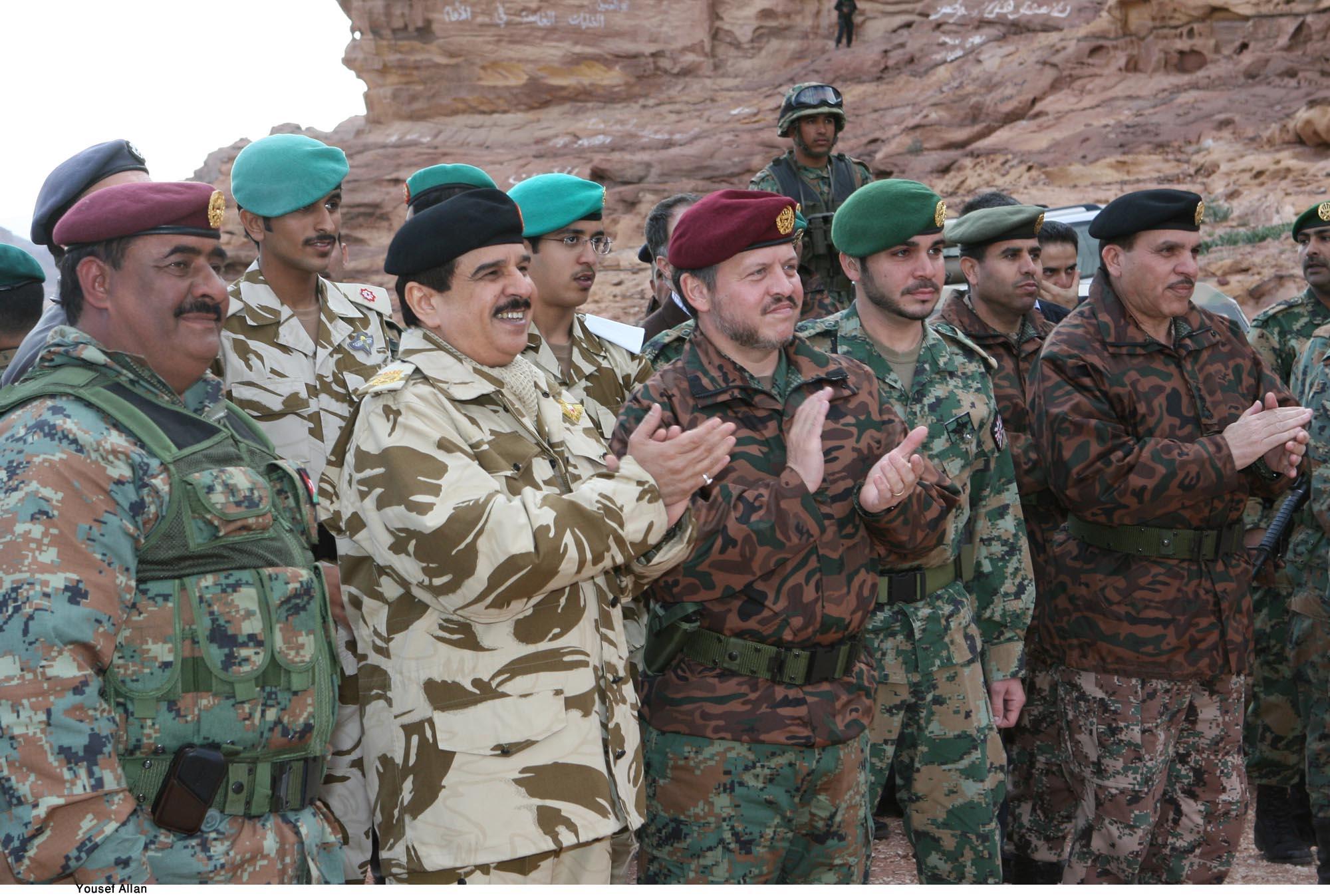 ملكا البحرين والاردن يزوران أحد مواقع التدريب في الاردن
