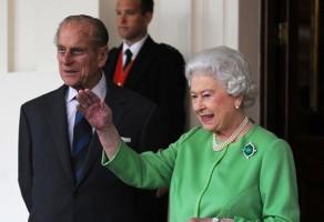 اليزابيث الثانية ملكة بريطانيا
