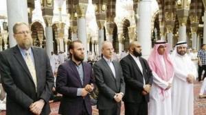 أرنود فاندور في المسجد النبوي الشريف