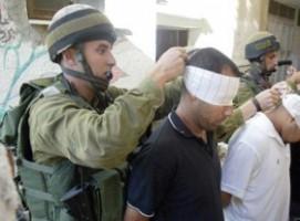 الاحتلال يعتقل 19 عاملًا فلسطينياً