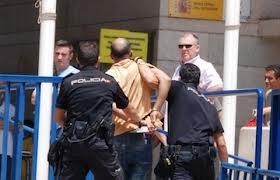 إسبانيا تعتقل جزائري ومغربي يشتبه في صلتهما بالقاعدة