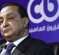 موظف بالمطار يصفع محمد الأمين صاحب قناة سى بي سي على وجهه رداً على صفعه