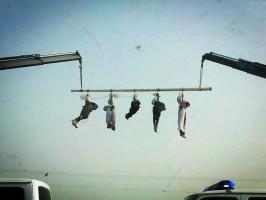 السلطات السعودية تعدم وتصلب خمسة يمنيين وتعلقهم في ساحة عامة