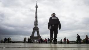 بعد لندن .. طعن جندي في باريس