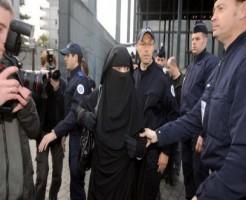 اشتباكات بفرنسا بسبب امرأة منتقبة