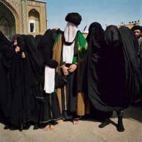 صورة مزعومة للمهدي المنتظر مع زوجاته تنشرها وسائل إعلام إيرانية !!