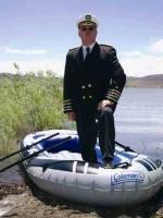 الرئيس كيفين بو والقارب الوحيد