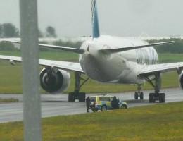 البحث عن متفجرات داخل الطائرة المصرية المتجهة الى نيويورك في ايرلندا