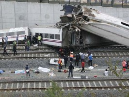 ارتفاع حصيلة ضحايا حادثة القطار في اسبانيا إلى 77 على الأقل