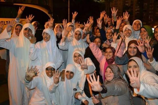 فتيات الاسكندرية بعد الافراج عنهم