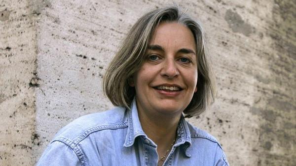 الصحفية أنيا نيدرينغهاوس