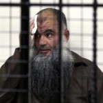 أبو قتادة في قفص المحكمة