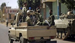 قوات حوثي والحرس الخاص للجيش اليمني يحكمان الطوق على عدن