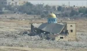 جيش الانقلاب يفجر مسجد النور برفح