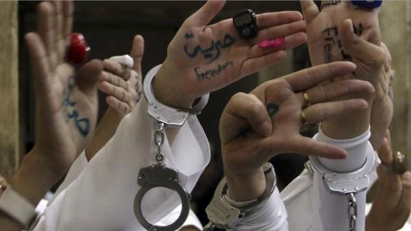 ثعابين في زنازين الفتيات المعتقلات بسجن القناطر