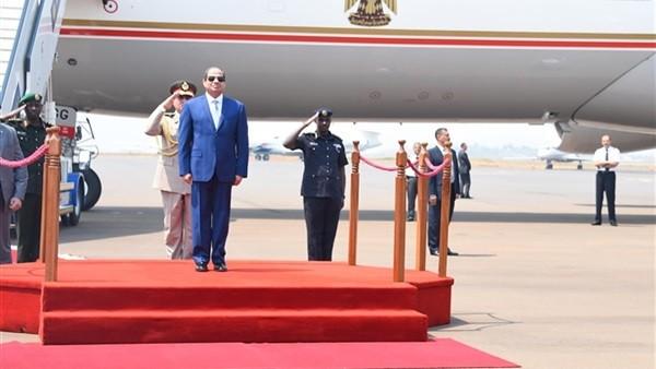 السيسي في رواندا ليس في استقباله أحد
