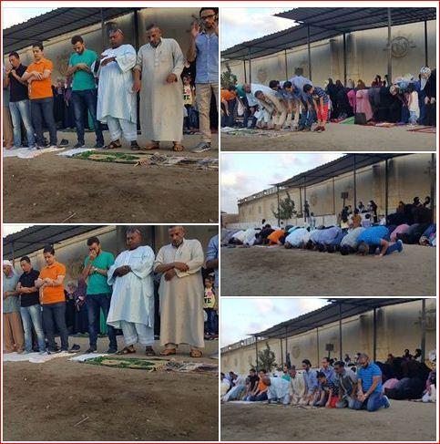 24f4adc3ee679 أهالي المعتقلين يؤدون صلاة العيد أمام مجمع سجون طره