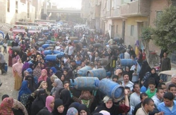 غزوة الأنابيب تعيد المصريين للتزود بالحطب كوقود