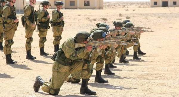 قوات روسية في قاعدة براني غربي مصر