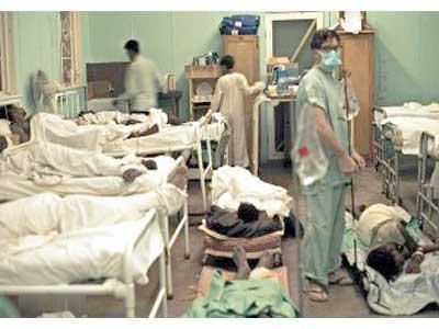 """السيسي """"يحنو على الفقراء"""" ويطرح 45 مستشفى حكوميًا للبيع"""