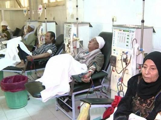 شركات الأدوية العالمية تختار المصريين كفئران تجارب والقانون يحميها