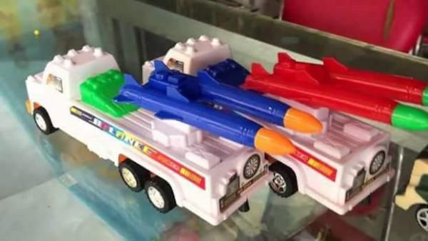 الصواريخ البلاستيكية