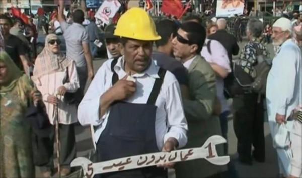 أوجاع عمال مصر متصاعدة بعهد السيسي رغم كلماته المسوقة للأوهام