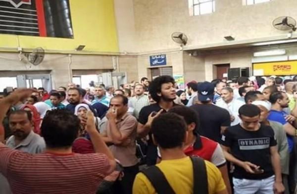 احتجاجات واسعة على زيادة المترو
