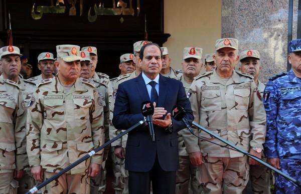 السيسي يسلم اقتصاد مصر لأخطبوط عسكري لا حدود لجشعه