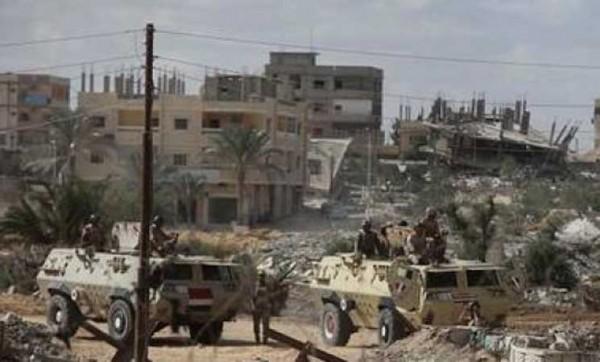 العسكر يهدمون البيوت في سيناء