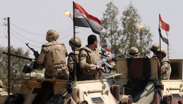 حصار العسكر يخنق أهالي سيناء للعام الخامس على التوالي