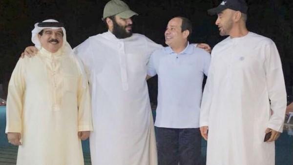 السيسي وحمد وبن زايد تطبيل بلا حدود لأكاذيب السعودية