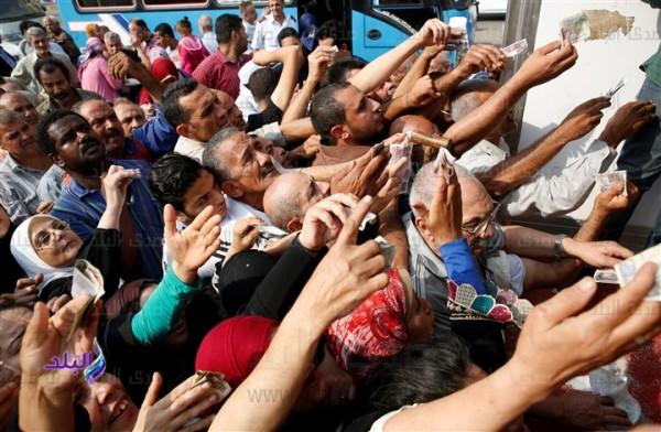نصف المصريين تحت خط الفقر