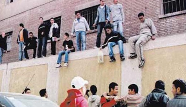 السيسي ينصح وزراءه بتعليم أبنائهم خارج مصر