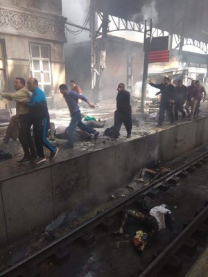 جثث متفحمة في محطة قطار رمسيس