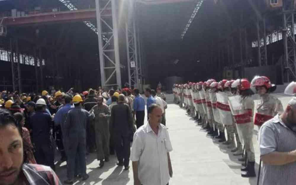 503fc4386 الانقلاب يغلق 600 مصنع ويشرّد 50 ألف عامل بالإسكندرية