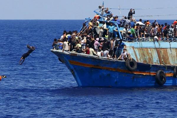 السيسي الاستبدادي يضغط على المصريين ويهدد أوروبا بإرسالهم كلاجئين