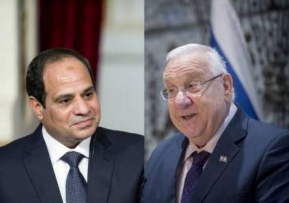 رئيس الكيان الصهيوني رؤوفين ريفلين وعبد الفتاح السيسي