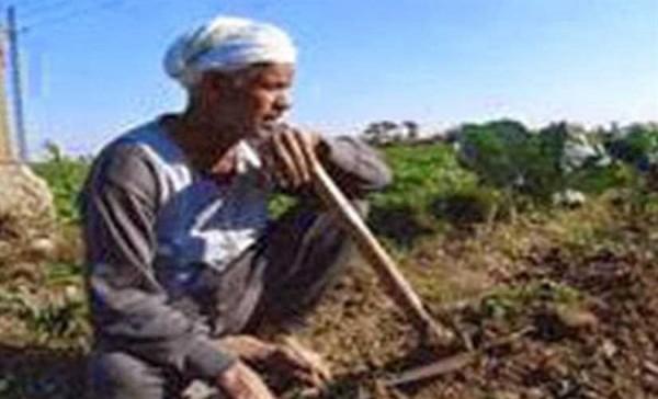 سقوط الفلاح المصري على يد السيسى بعد فشل العسكر فى مواجهة سد النهضة