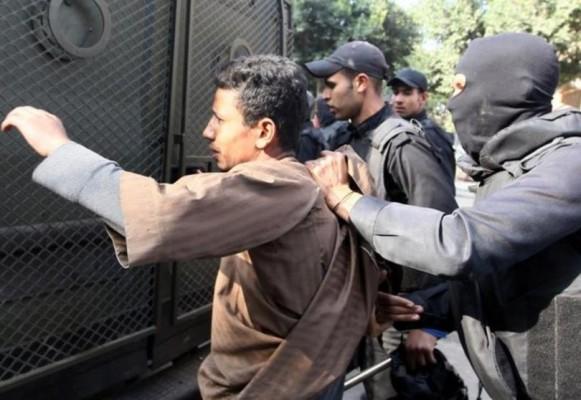 حملات اعتقال مسعورة
