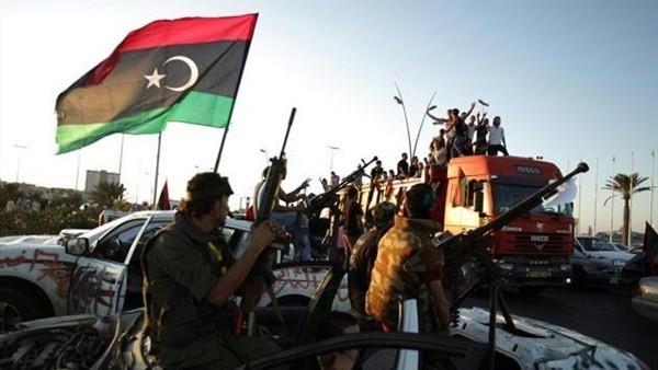 ضباط مصريون وقعوا في قبضة ثوار ليبيا