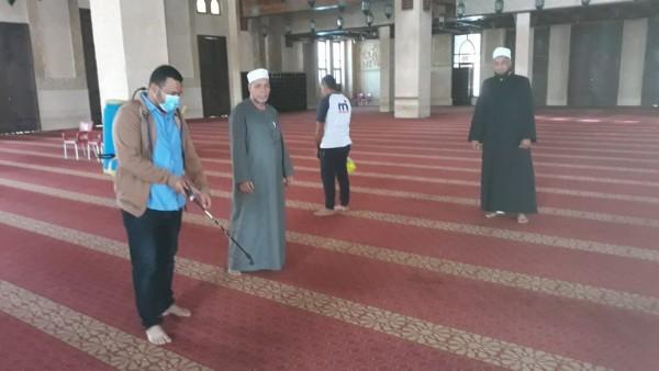 وقف صلاة الجماعة بمساجد مصر وتعطيل الدراسة