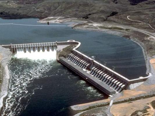 الشعب يدفع فاتورة تضييع السيسي مياه النيل 7 سنوات عجاف بملف سد النهضة