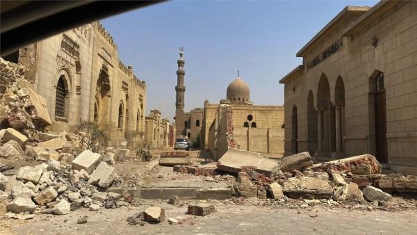 عدوان سيساوي على الآثار الإسلامية